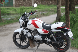 Bajaj v15